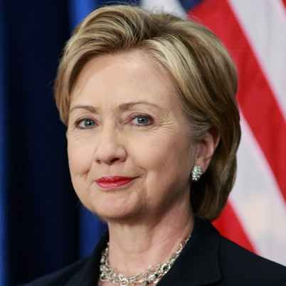 Hillary Clinton switches to a right part | Hair Part Theory ...